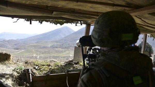 Мотострелки ЮВО отработали комплекс оборонительных действий в горах Абхазии на учении  - Sputnik Аҧсны