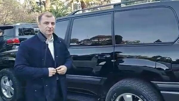 Ардзинба пришел на встречу с Бганба и депутатами в Парламент - Sputnik Аҧсны