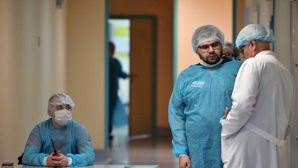 Отделение для людей с подозрением на коронавирус в Боткинской больнице - Sputnik Аҧсны