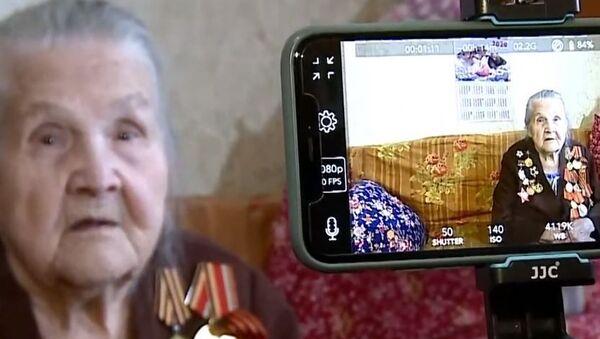 Непридуманные истории о войне от 97-летнего блогера - Sputnik Абхазия