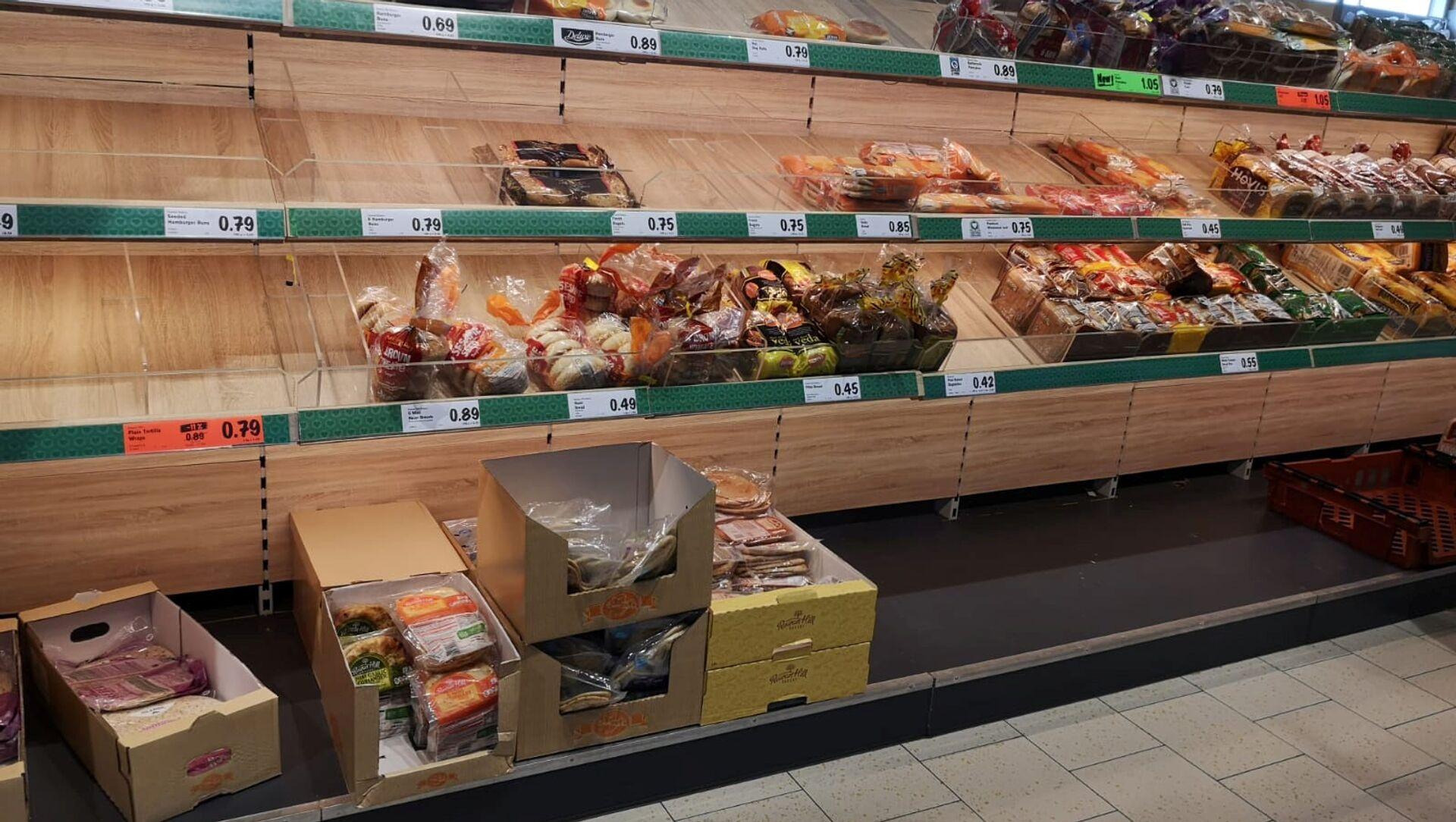 Пустой прилавок в супермаркете в Лурган, Ирландия - Sputnik Абхазия, 1920, 01.09.2021
