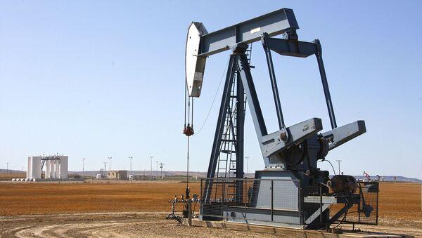 Добыча нефти, архивное фото - Sputnik Абхазия