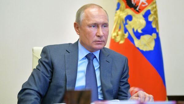 Президент РФ В. Путин провел встречу с губернатором Калининградской области А. Алихановым - Sputnik Аҧсны