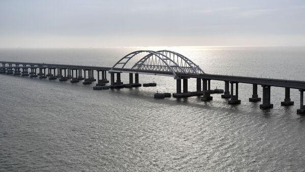 Президент РФ В. Путин открыл железнодорожное движение по Крымскому мосту - Sputnik Абхазия