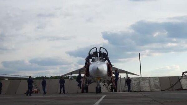Встали на крыло: первые полеты молодых летчиков-выпускников на сверхзвуковых самолетах - Sputnik Абхазия