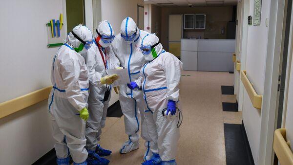 Госпиталь COVID-19 в Центре мозга и нейротехнологий ФМБА России - Sputnik Аҧсны