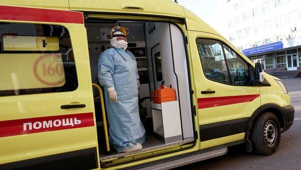 Работа медиков с больными COVID-19 в Тверской областной клинической больнице - Sputnik Аҧсны