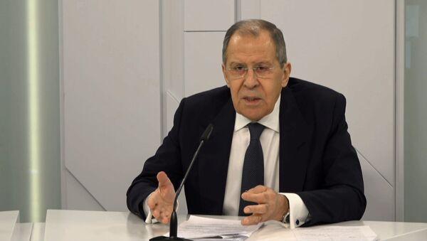Россия не будет устраивать истерику из-за выхода США из Договора по открытому небу – Лавров - Sputnik Абхазия