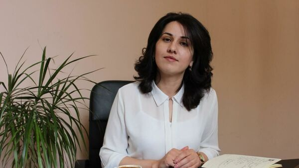 Гагратәи актәи абжьаратә аԥсуа школ адиректор Хана Гәынԥҳа  - Sputnik Аҧсны