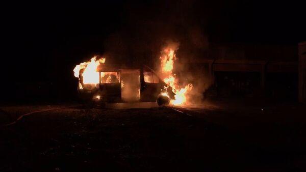 Маршрутное такси сгорело в Сухуме - Sputnik Абхазия