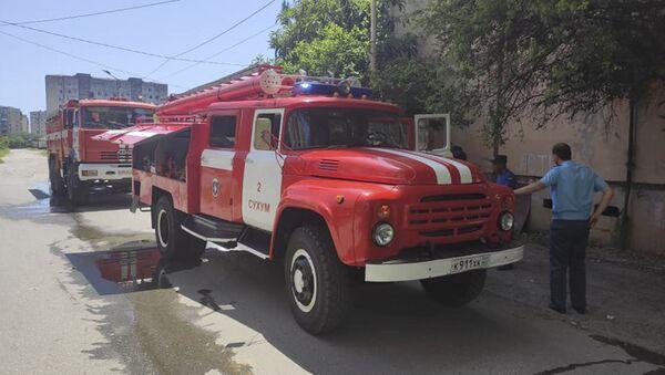 Пожар в Новом районе Сухума - Sputnik Абхазия