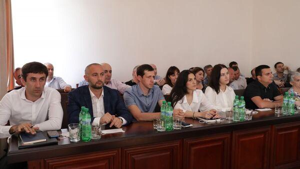 Предприниматели на встрече в Кабмине - Sputnik Абхазия