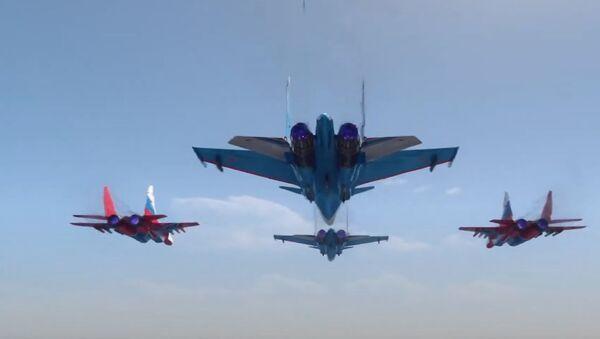 Это впечатляет: воздушная часть парада Победы в Москве - Sputnik Абхазия