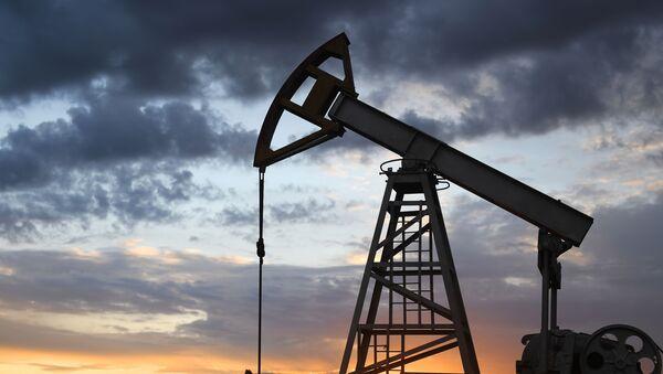 Работа нефтяных станков - качалок - Sputnik Абхазия