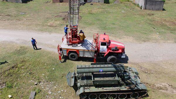 Показательные учения ко дню основания Министерства чрезвычайных ситуаций Абхазии  - Sputnik Абхазия