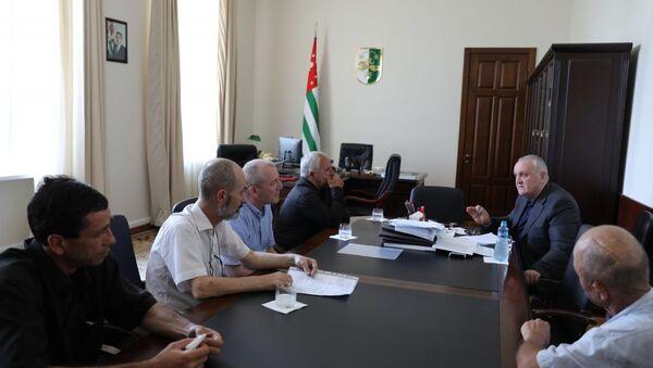 Встреча Анкваб с ветеранами - Sputnik Абхазия