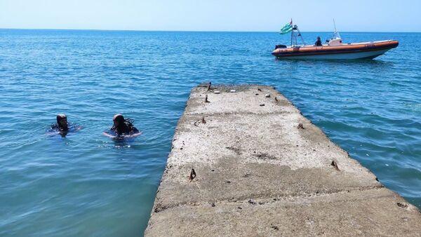 Сотрудники ГИМС МЧС Абхазии приступили к ежегодному техническому осмотру городских пляжей республики. - Sputnik Аҧсны