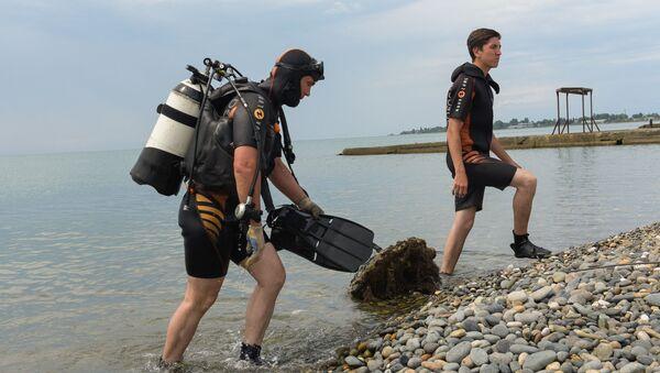 МЧС_РА очистка дна побережья - Sputnik Абхазия